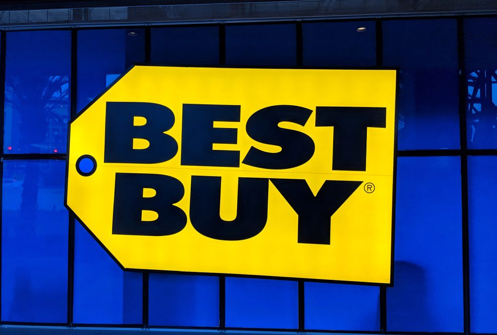 Best Buy Shares Hit 52-Week High on Earnings